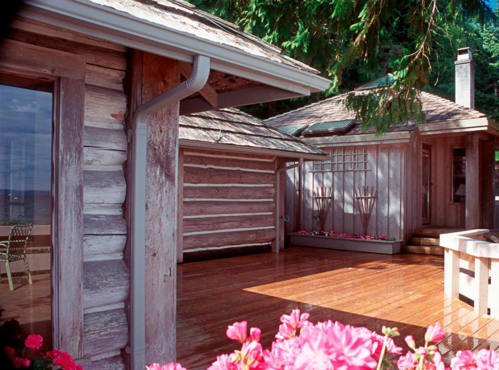 Cottage House Design - Savary Island